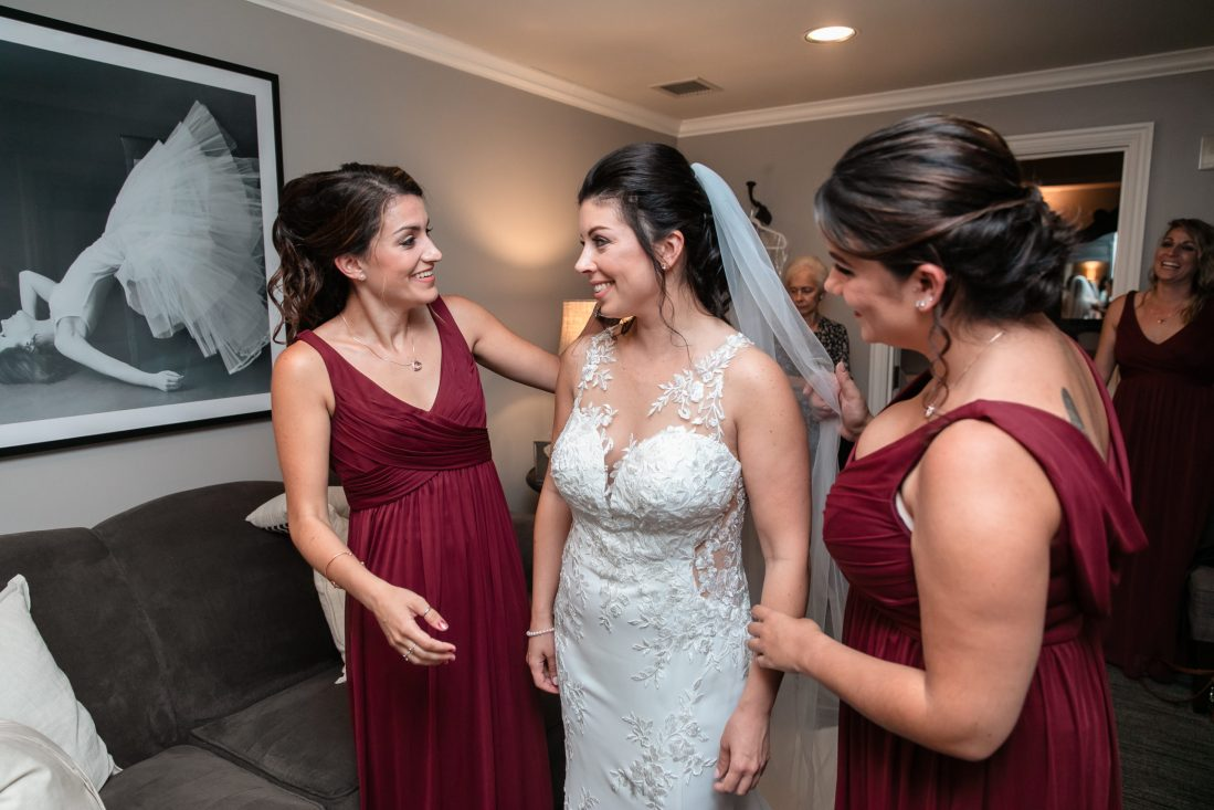 bridesmaids, sisters, getting ready, Tracy Jenkins Photography, Harbor Lights, Warwick, Rhode Island, RI, New England, Wedding, Photography