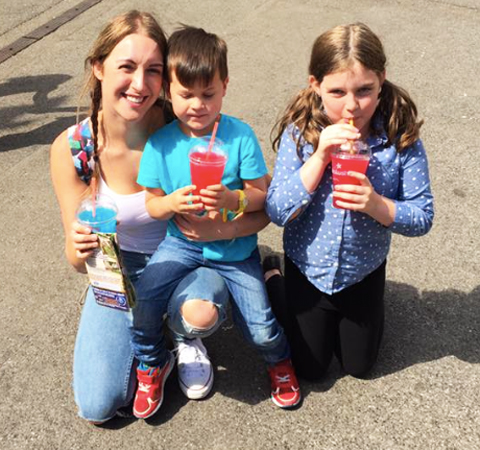 Tracy Kiss & Family At Chessington World Of Adventures