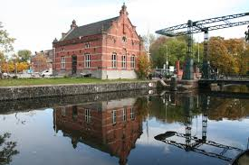 Amsterdam converts gasworks into culture park