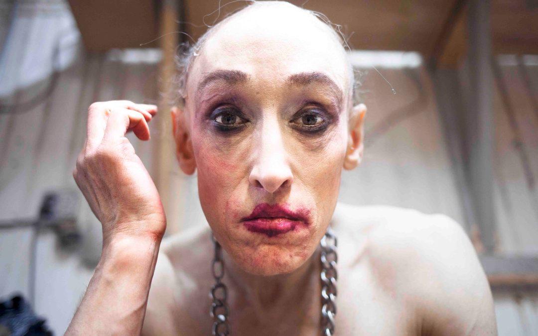 Christel Mitchell toont getergde leven drag queen