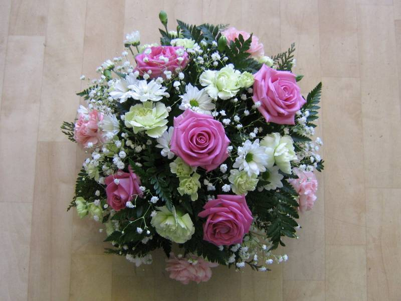 Strawberry Pink Posy – buy online or call 01302 853270