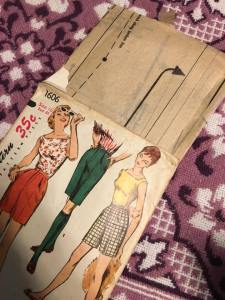 Simplicity 1606 Bermuda Shorts and Top WWII, 1940s Vintage Pattern