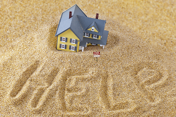 house in sand_web