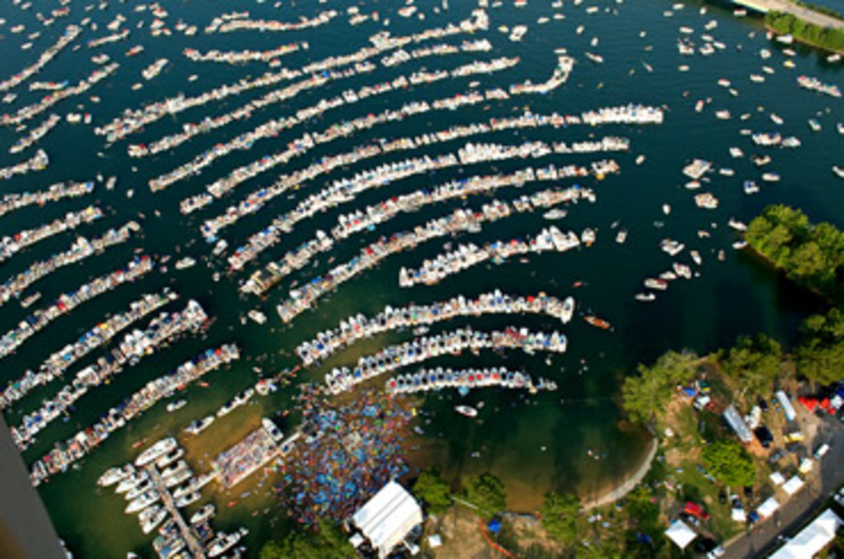 For The Record Alabama AquaPalooza Draws 35000 To Lake