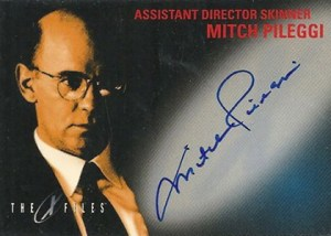 1998 Topps X-Files Fight the Future Autographs Mitch Pileggi