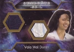 2009 Stargate Heroes Dual Costume Val Mal Doran