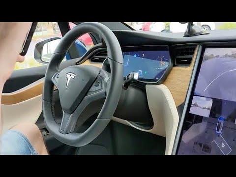 """Tesla é acusada de fazer """"propaganda enganosa"""" de direção autônoma"""