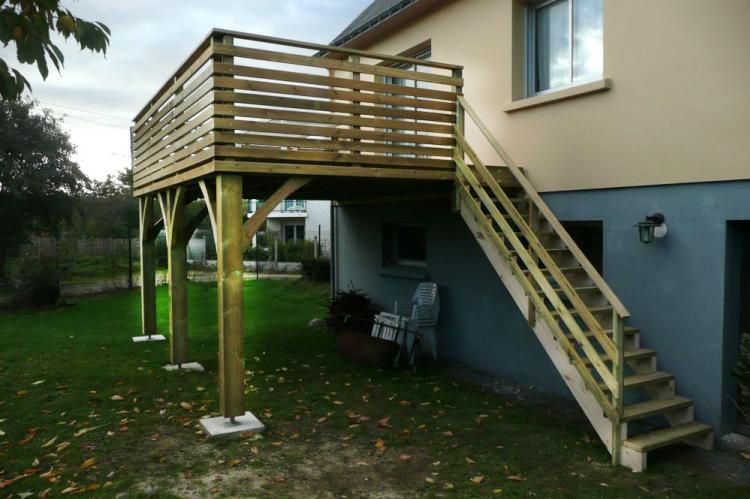 Charpente Bois Une Terrasse Sur Pilotis Realisee A Vannes Et A Lorient L
