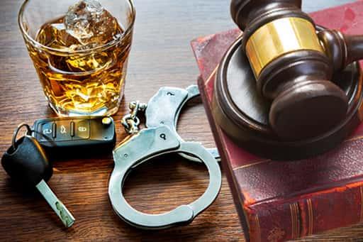オンラインカジノの犯罪行為は摘発を誘発する