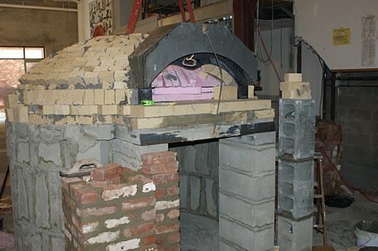 Restaurant size pizza oven