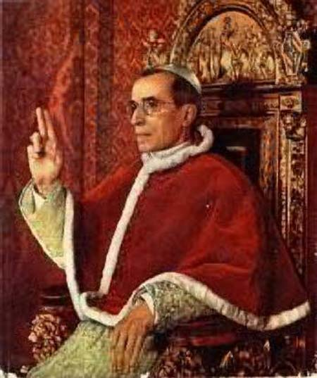 Pius XII wearing zucchetto and mozella