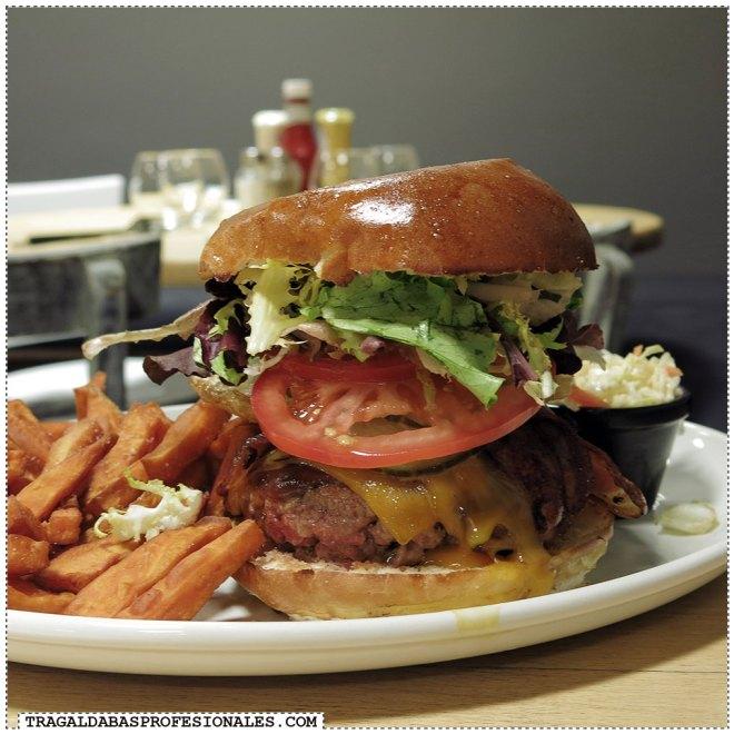 Hamburguesas en Madrid - Bacon cheese burger - Tragaldabas Profesionales - Restaurante Alta Burgersia