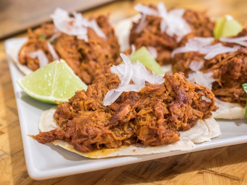 sra-chela-madrid-tacos-cochinita-pibil-tragaldabas-profesionales