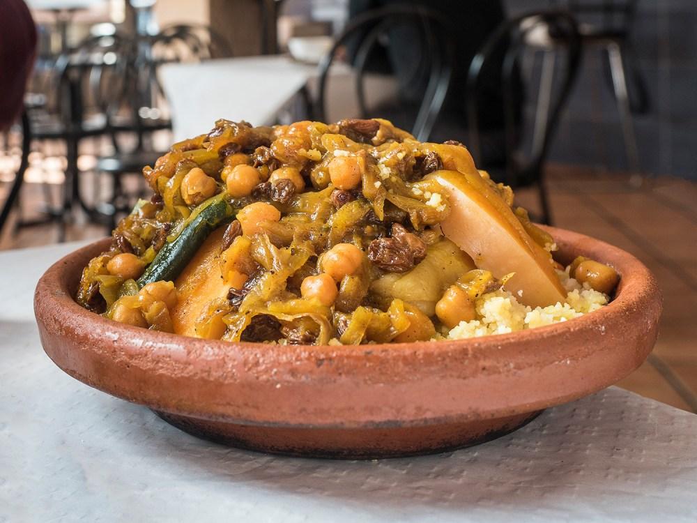 marruecos-street-food-madrid-tragaldabas-profesionales-cous-cous-cordero-assafir