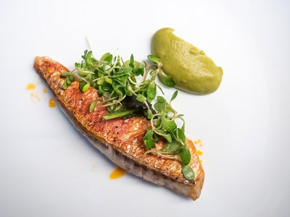 restaurante-efimero-madrid-salmonete-a-la-plancha-con-noisette-de-calabacin
