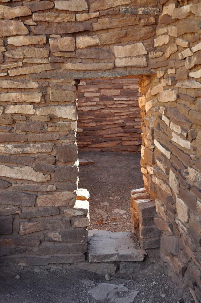 Lomaki Doorway