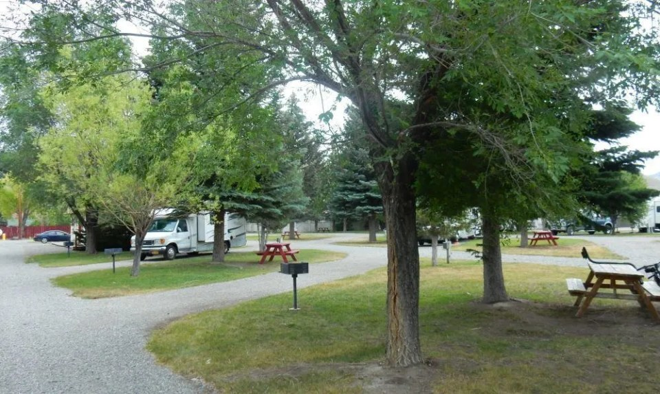 There are plenty of shade trees and the grounds were well kept.