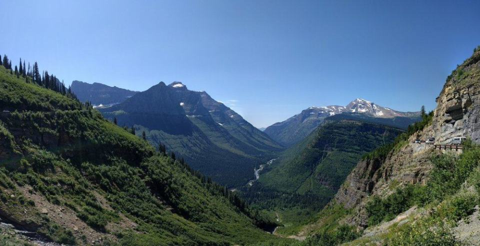 Big Bend is a wide sweeping curve about mid-way between The Loop and Logan Pass.