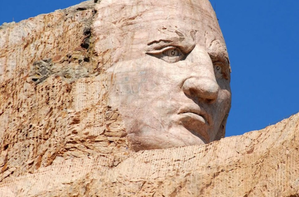 A face on view of the memorial.