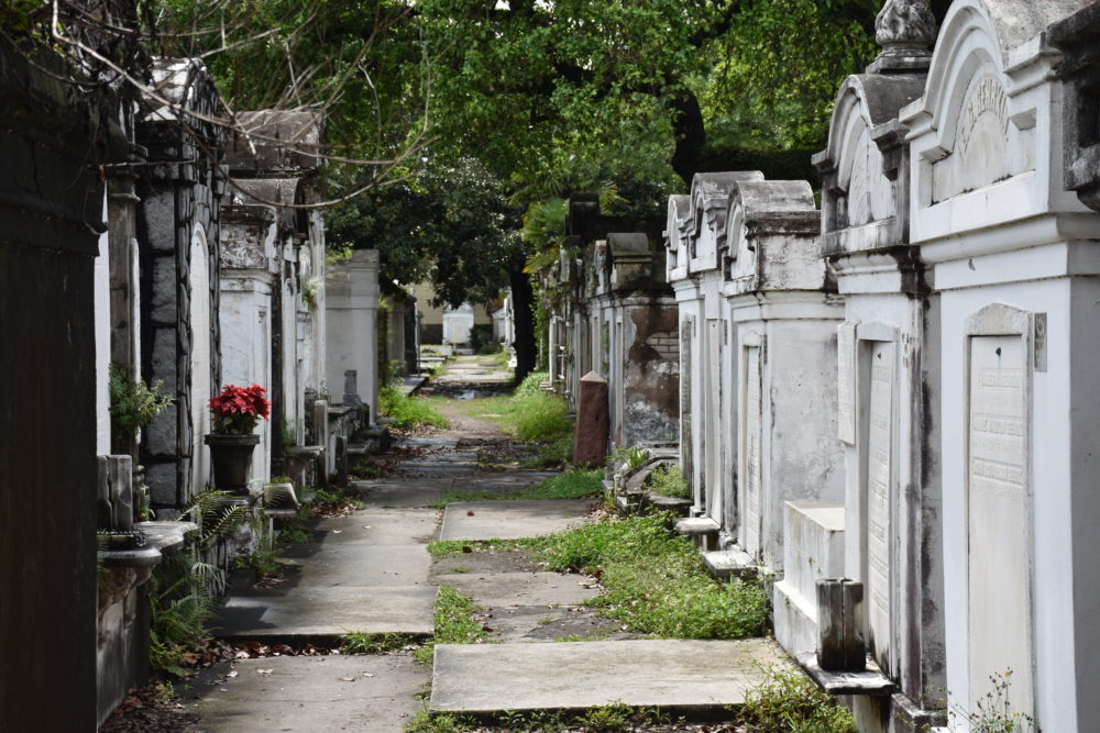 Lafayette Cemetery No 1 tombs