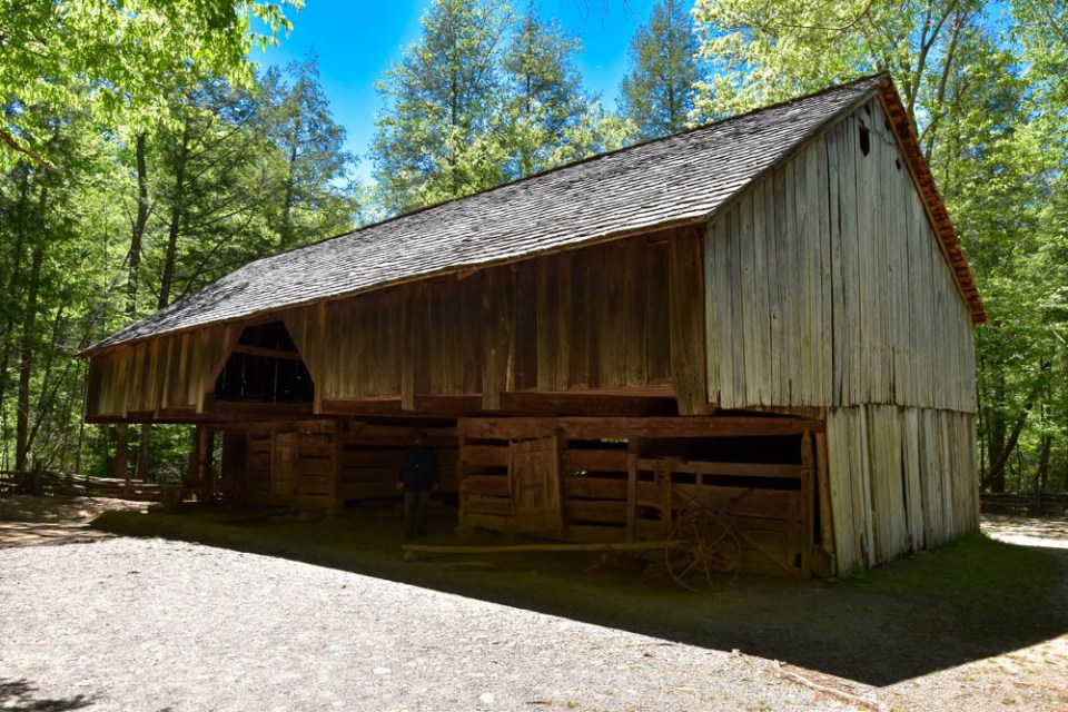 Barn near John Cable Mill