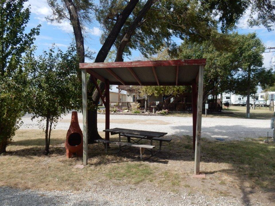 Triple-J Camper Park - Shelter