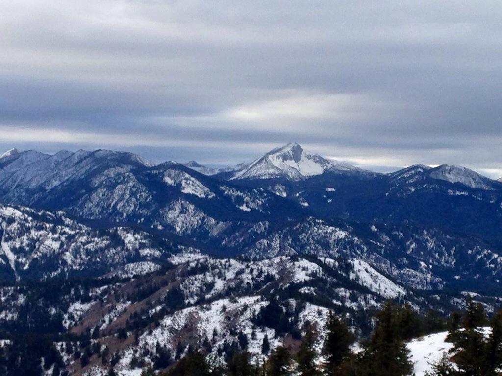 Hoodoo Peak in the distance