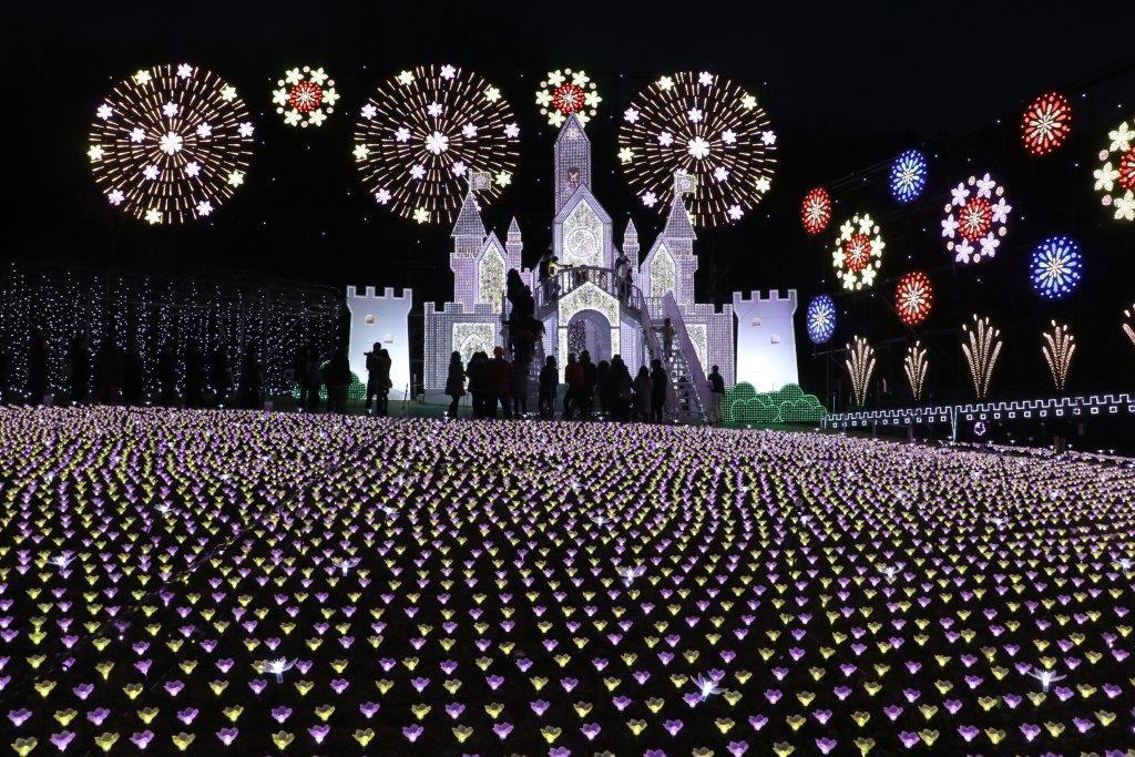 あしかがフラワーパーク, イルミネーション, ファンタジー, あしかが, フラワーパーク, 藤棚, 藤, 藤の花, 関東3大イルミ, ashikaga flower park, flower park, illumination, fantasy, christmas, xmastower, galaxy express 999,