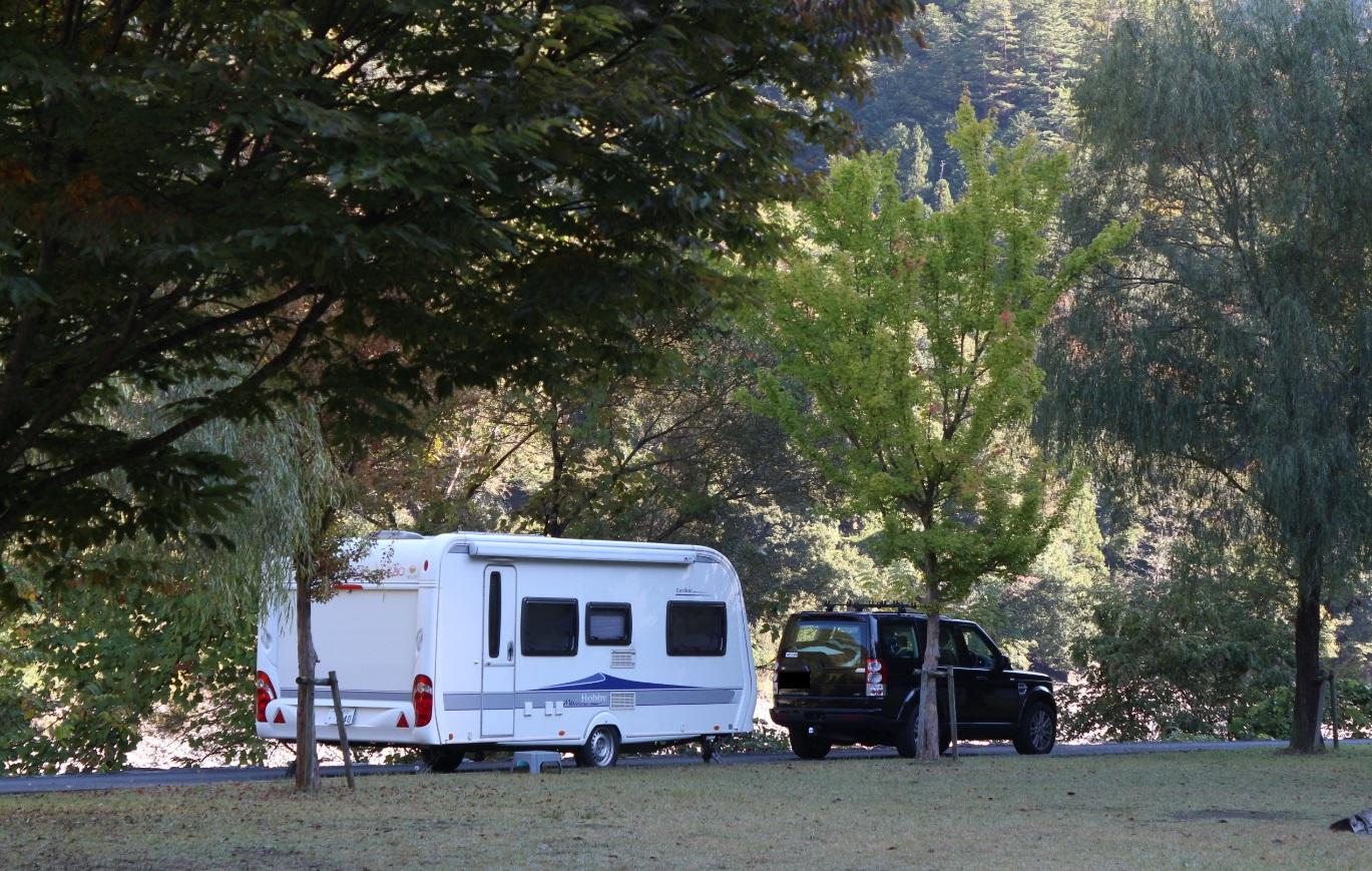 キャラバン, ヘッド, 牽引車, トレーラー, キャンピングトレーラー, 組み合わせ, コンビ, コンビネーション, head, tractor, towcar, camping trailer, caravan, trailer,