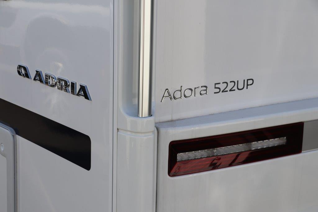 アドリア, アドーラ, アドリアアドーラ, キャンピングトレーラー, キャラバン, ジャパンキャンピングカーショー2021, トレーラー, アルデヒーター, アドリアアドーラ2021モデル, アドーラ522UP, ダブルベッド, 幕張メッセ, adria, adora, adria adora, camping trailer, caravan, 2021 new model, japan camping car show 2021, trailer, alde heater, adria adora 2021 year model, adora 522up, double bed, makuhari messe,