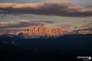 Alpenglühen am Morgen. Foto von Harald Wisthaler (wisthaler.com)