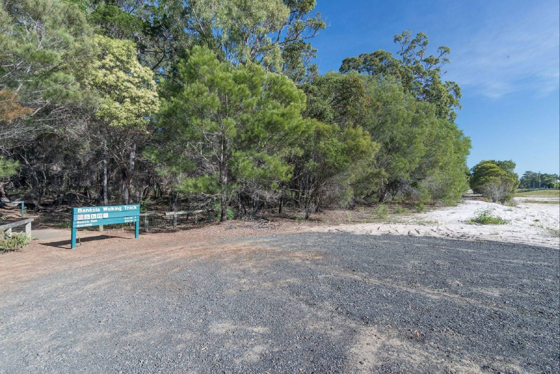 Banksia Track And The Boardwalk