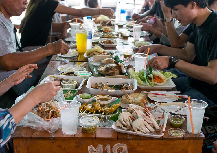 Where to Eat On Nut Bangkok Lat Mayom Floating Market - Trailing Rachel