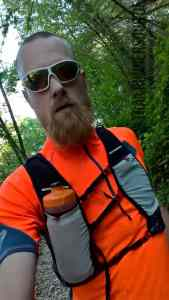 kalenji-trail-shirt-flask-vest-01