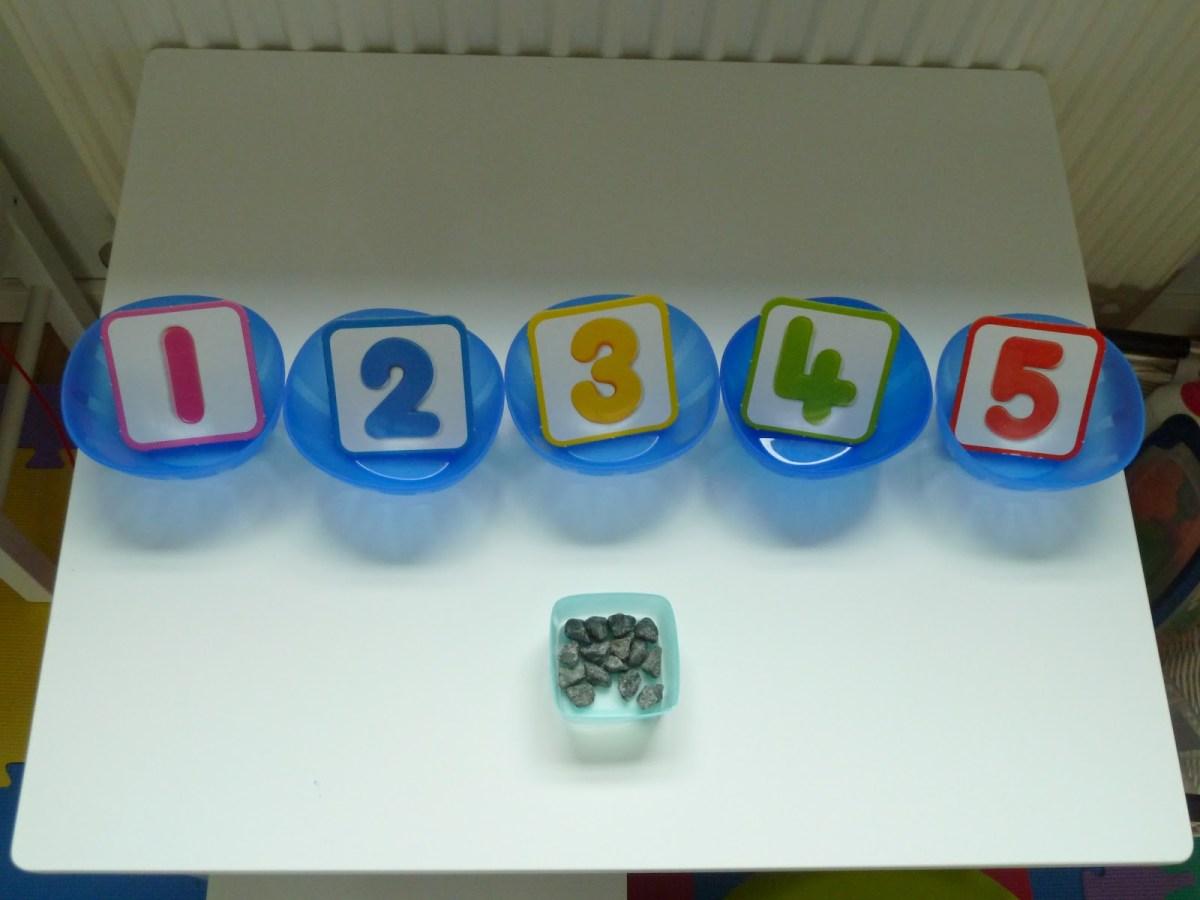 Học số và số đếm theo phương pháp Montessori