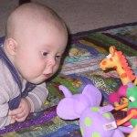 Phương pháp chơi với con từ sơ sinh tới 12 tháng