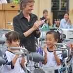 Người phụ nữ Australia 17 năm bền bỉ giúp đỡ trẻ em nghèo tại Việt Nam
