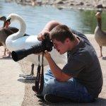Nhiếp ảnh gia Oliver Hellowell quan sát thế giới với cách nhìn khác