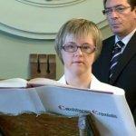Angela Bachiller trở thành Nghị Viên