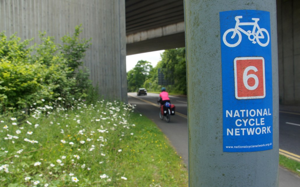 The National Cycling Network is a mix of narrow country roads, dirt paths, and canal walkways that cross England. Follow the signs for a good ride!