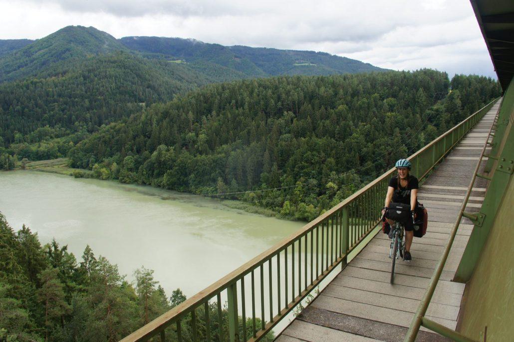 A big brdige span over the River Drau in SE Austria.