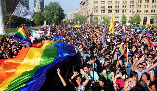 LGBT-civil-partnerships-Chile