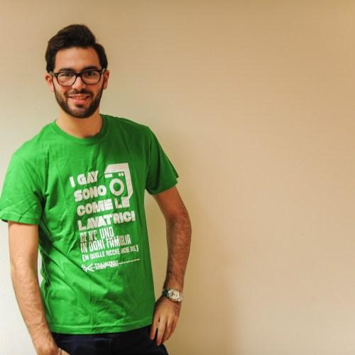 T-shirt verde lavatrici