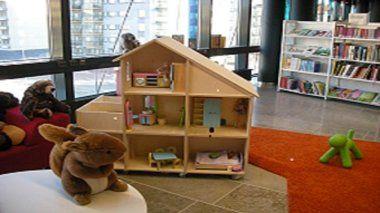 Biblioteka domek dla lalek