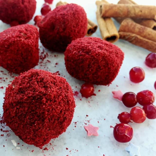 Raw food bollar med kanel hasselnt och lingon Perfekt tillhellip