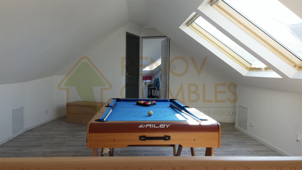 une salle de jeux am nag e sous les combles de cette maison boomerang du 35 am nagement des. Black Bedroom Furniture Sets. Home Design Ideas