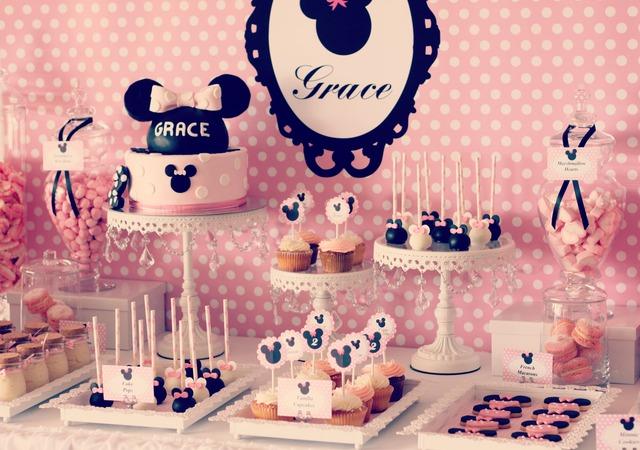 Festa da Minnie e a mesa do bolo