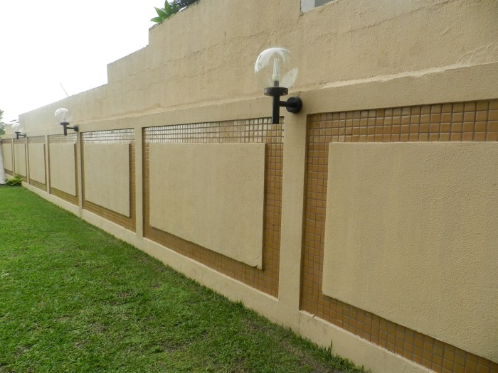 Muros com pastilhas/ cerâmica