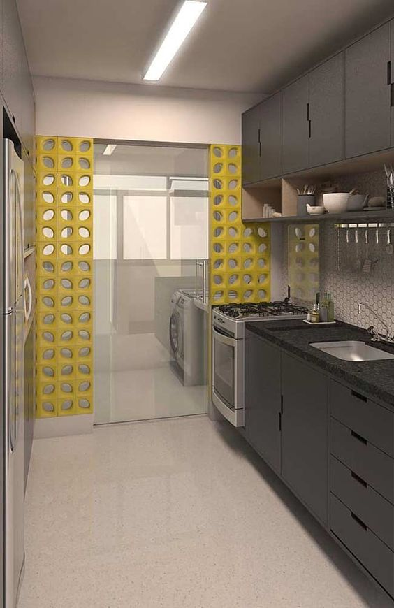cozinha corredor com Área de serviço integrada