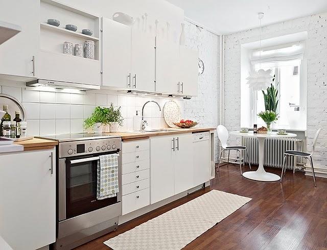 Cozinhas corredor bem organizadas: dicas infalíveis para a sua casa
